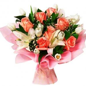 Букет из красных роз и белых лилий фото — 7